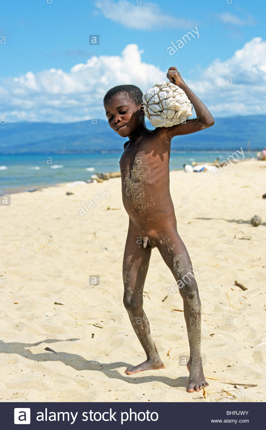 small-naked-boy-with-a-self-made-football-at-kande-beach-lake-malawi ...: tag.2chb.net/kid+boy+naked/pic2.html