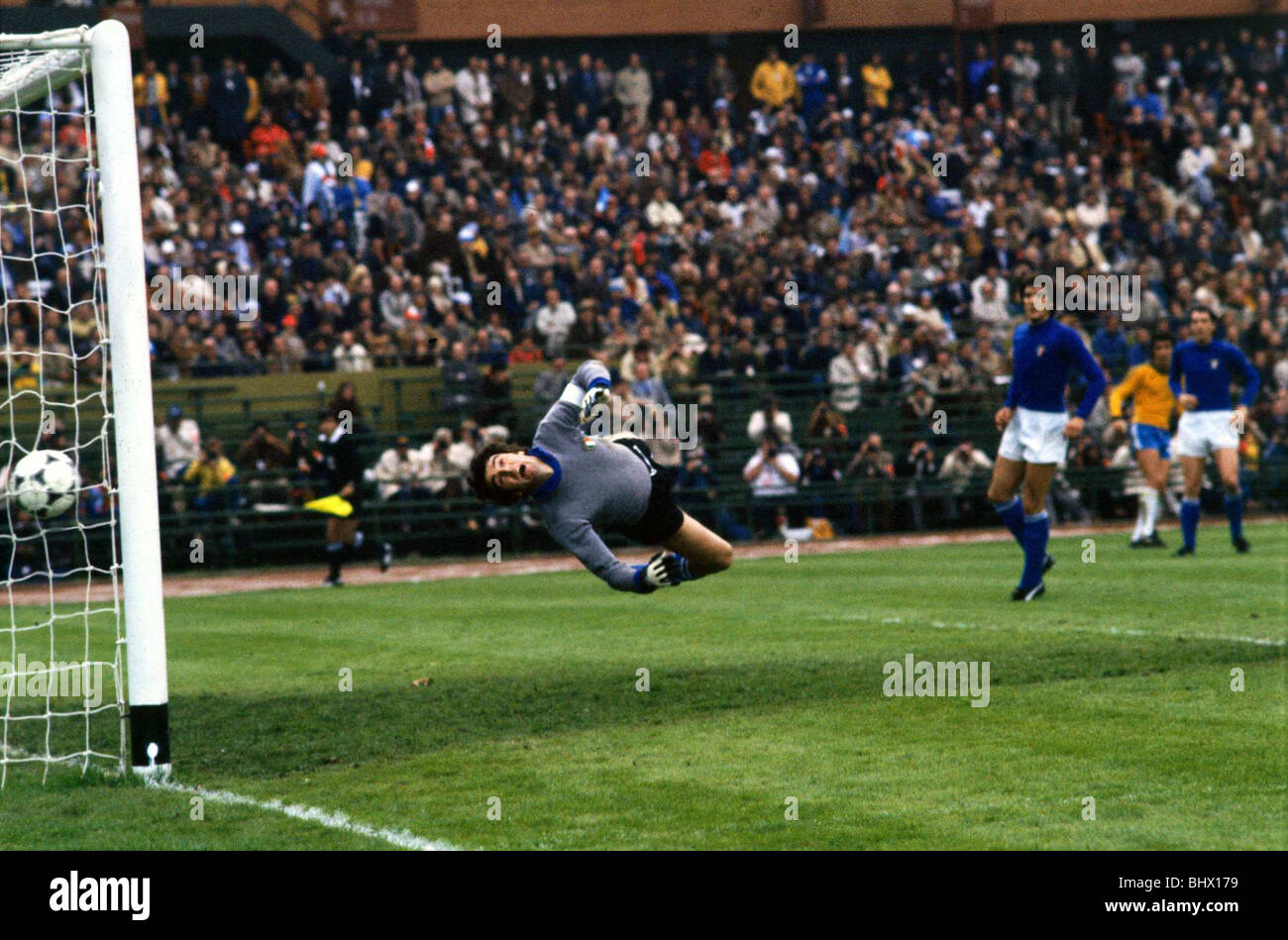 World Cup 1978 3rd place play off Italy 1 Brazil 2 Dino Zoff dives