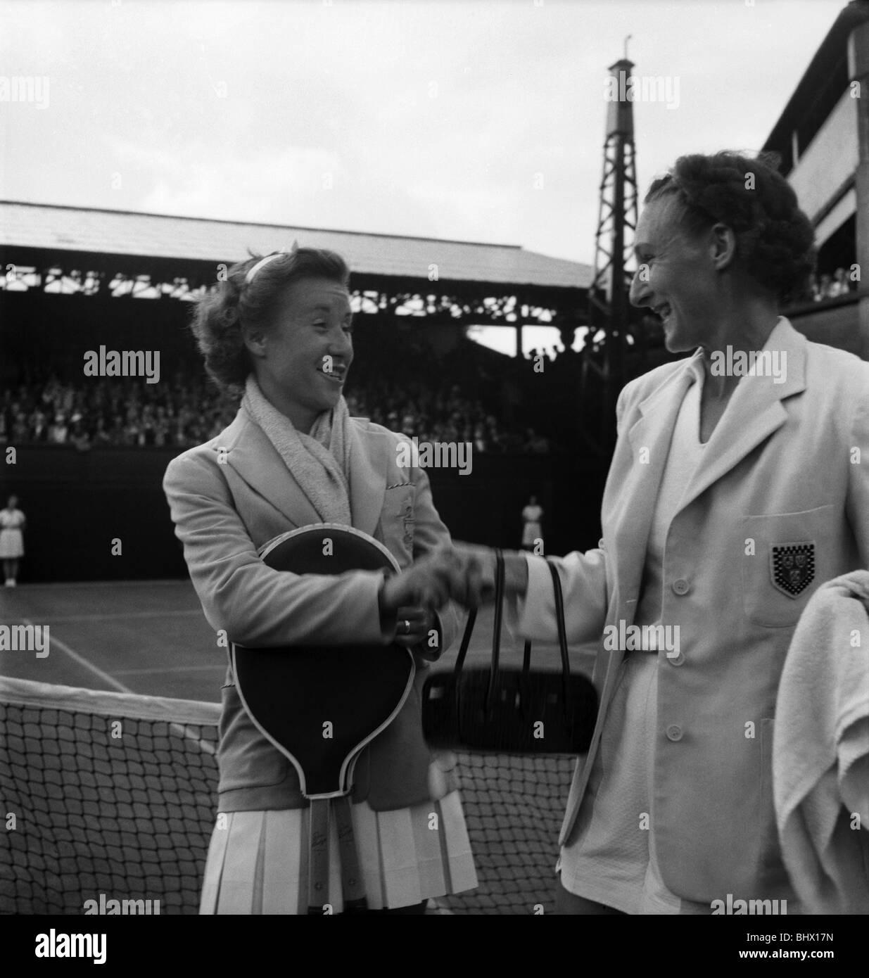 Wimbledon Wightman Cup Misses Maureen Connolly and J j Walker
