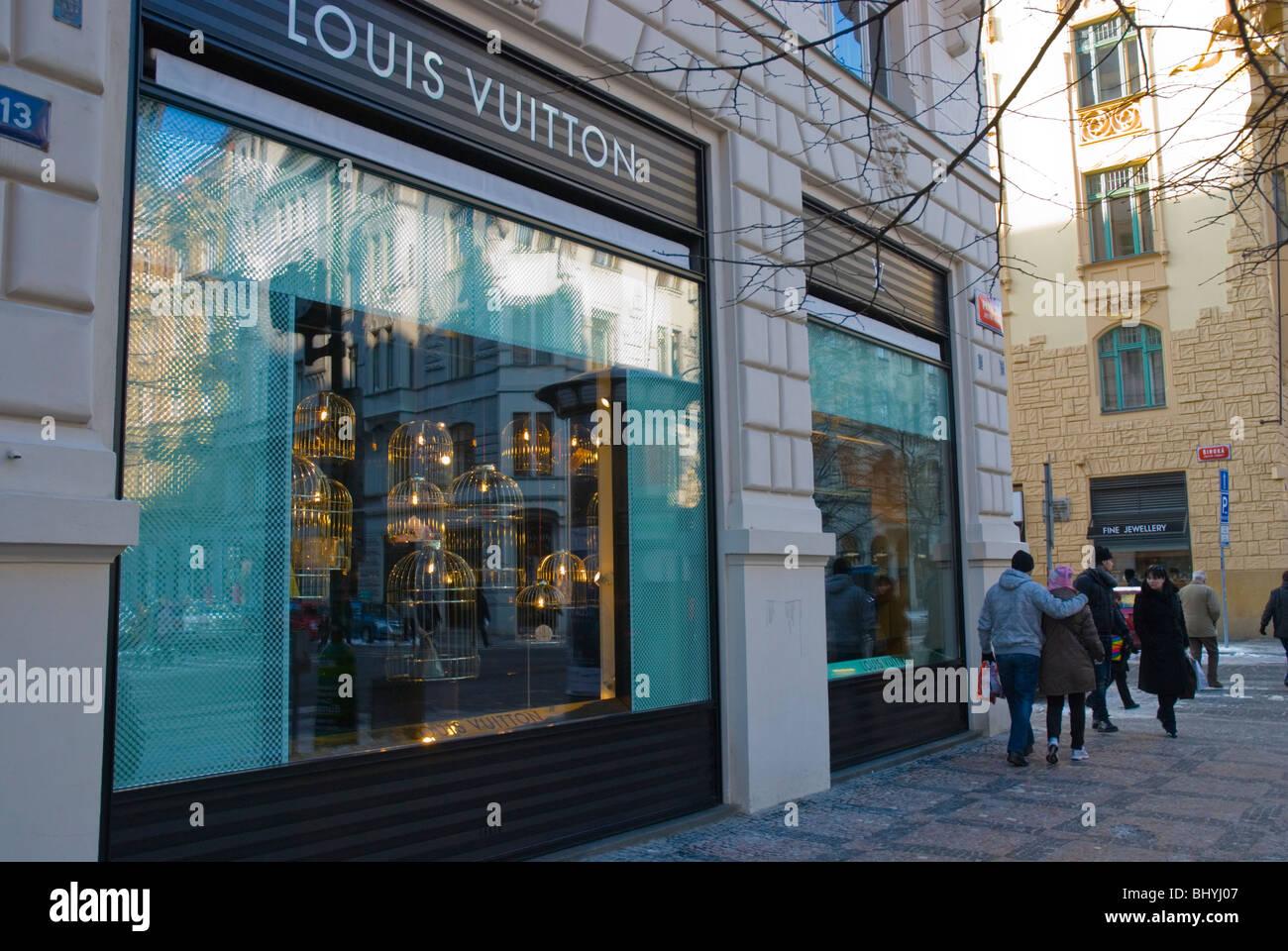 Louis vuitton shop parizska street josefov central prague for Central prague