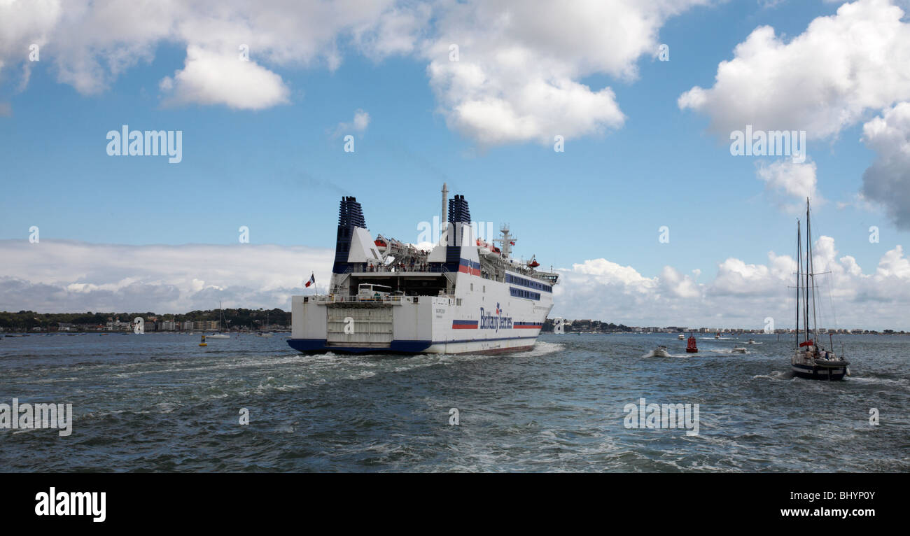 Barfleur cruise ferry ship information brittany ferries - Brittany Ferries Ferry Barfleur Leaving Poole Harbour For Cherbourg Stock Photo