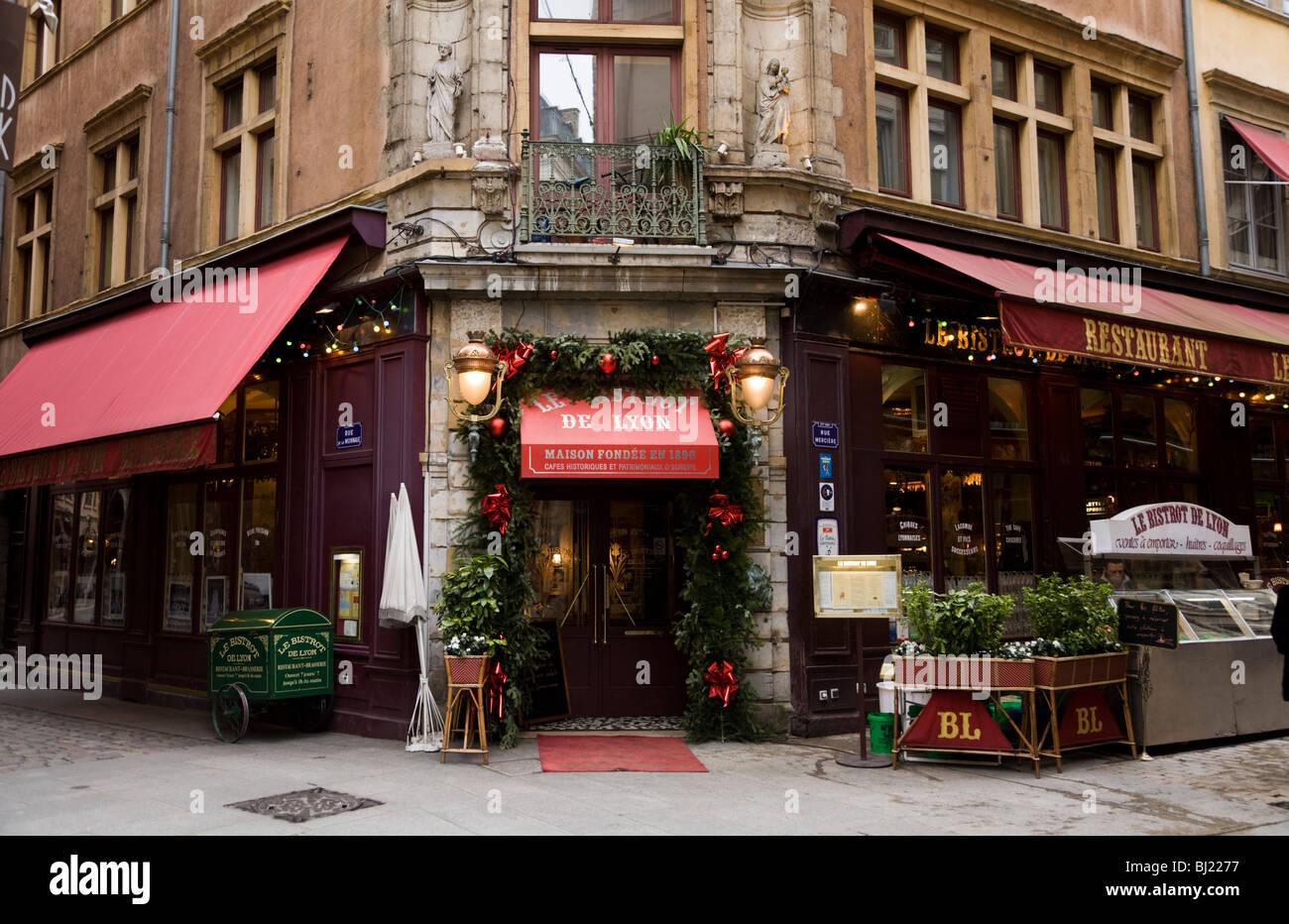 Front Of Restaurant De Lyon Bistro De Lyon Restaurant