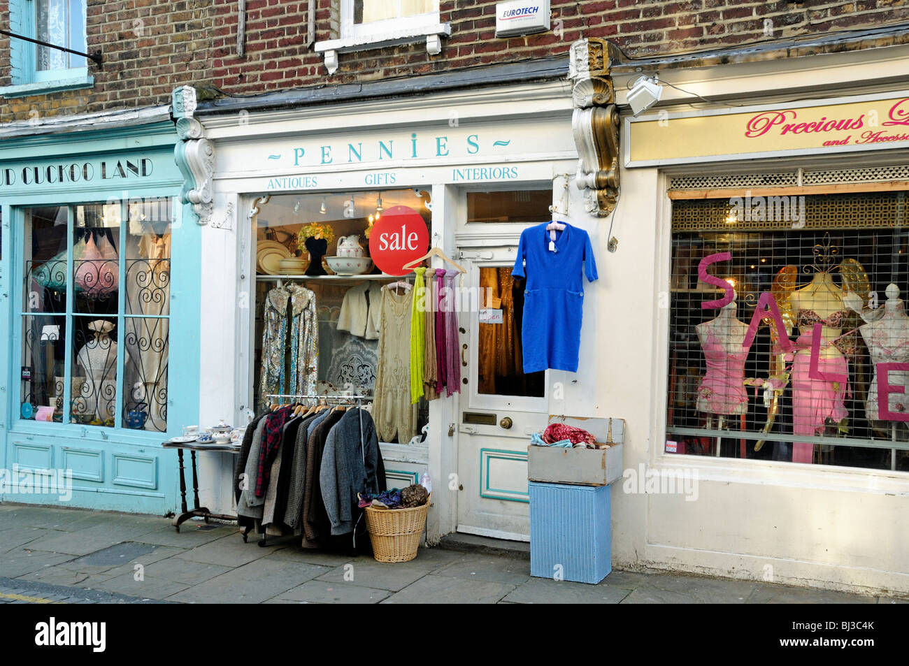 Cheap clothing stores in london england