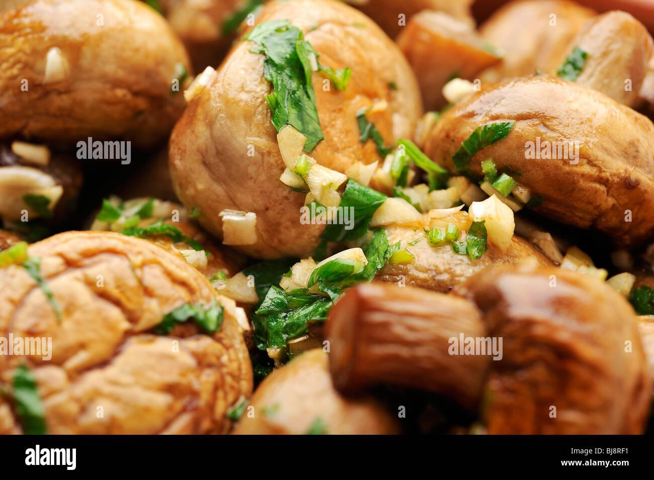Sauteed Mushrooms With Garlic & Parsley Recipes — Dishmaps