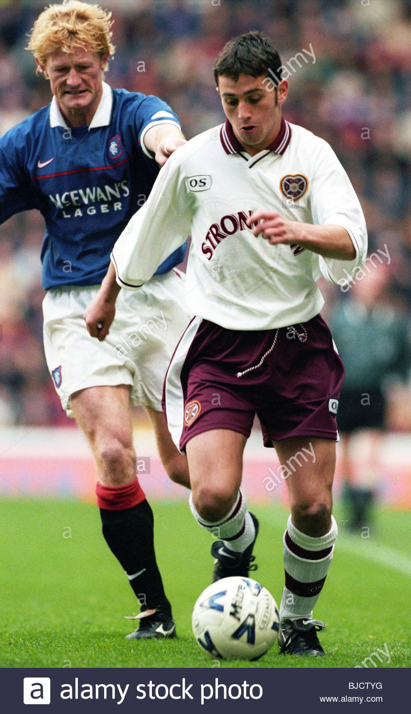hendry left stock photos hendry left stock images alamy 17 10 98 spl rangers v hearts ibrox glasgow hearts kris o