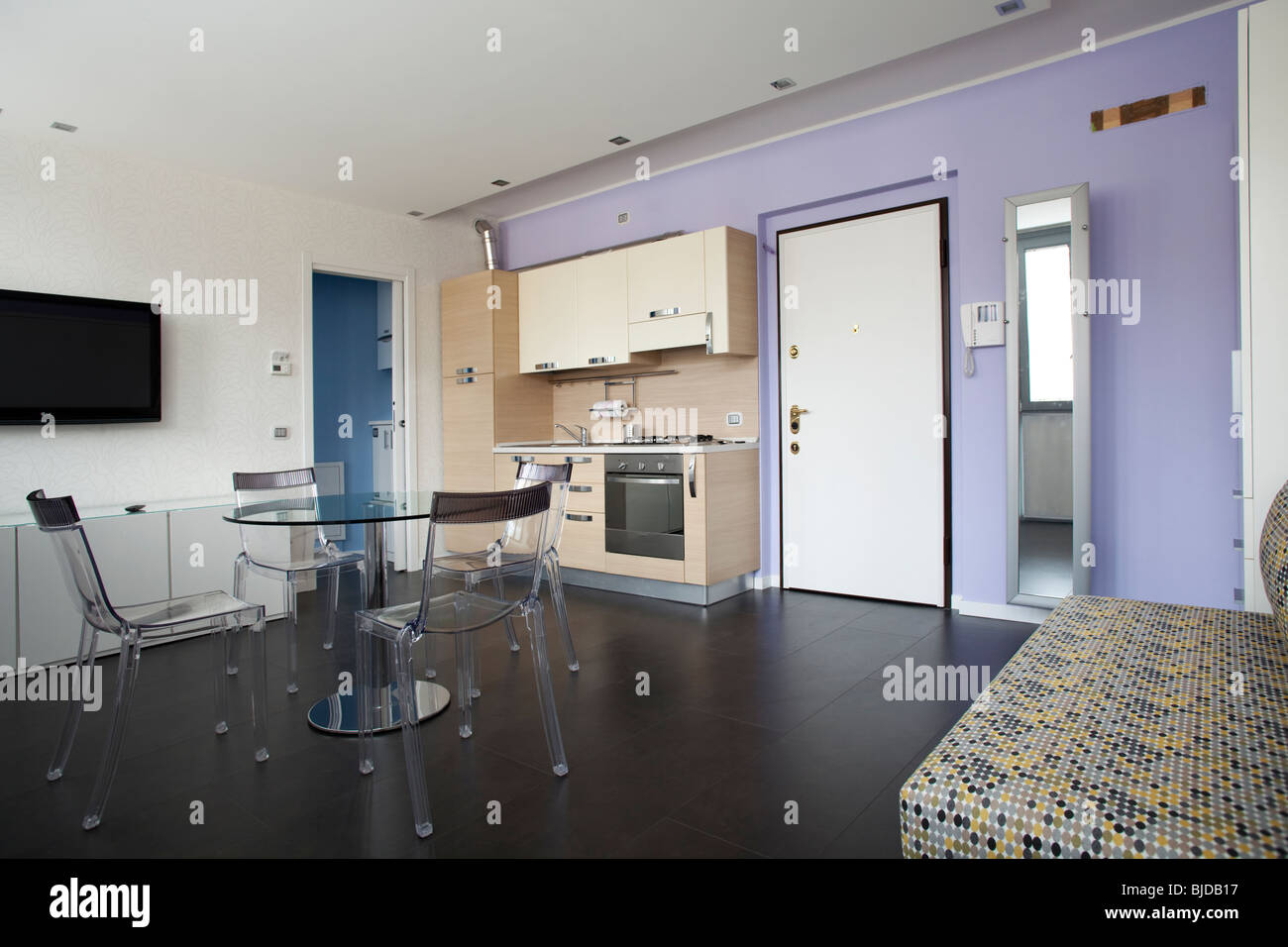 Living In One Room Studio Apartment With Everything Included In One Room Kitchen