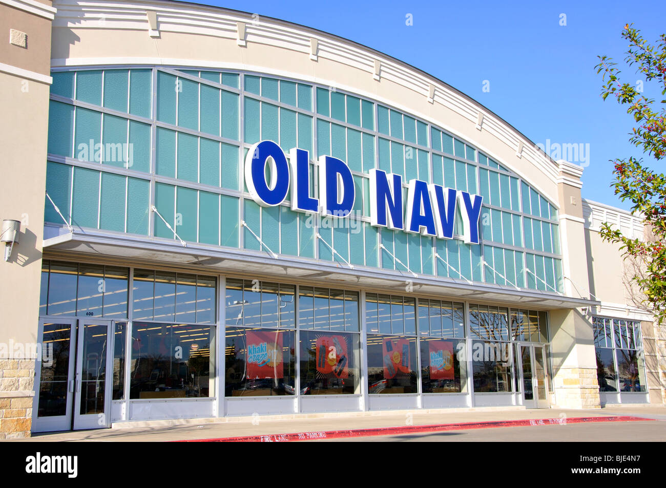 Old Navy coupons can be entered during the payment step of checkout. Look for the coupon box below your payment information. Note that some Old Navy coupons can be combined on the same order for maximum savings, such as percent-off codes and free shipping offers.