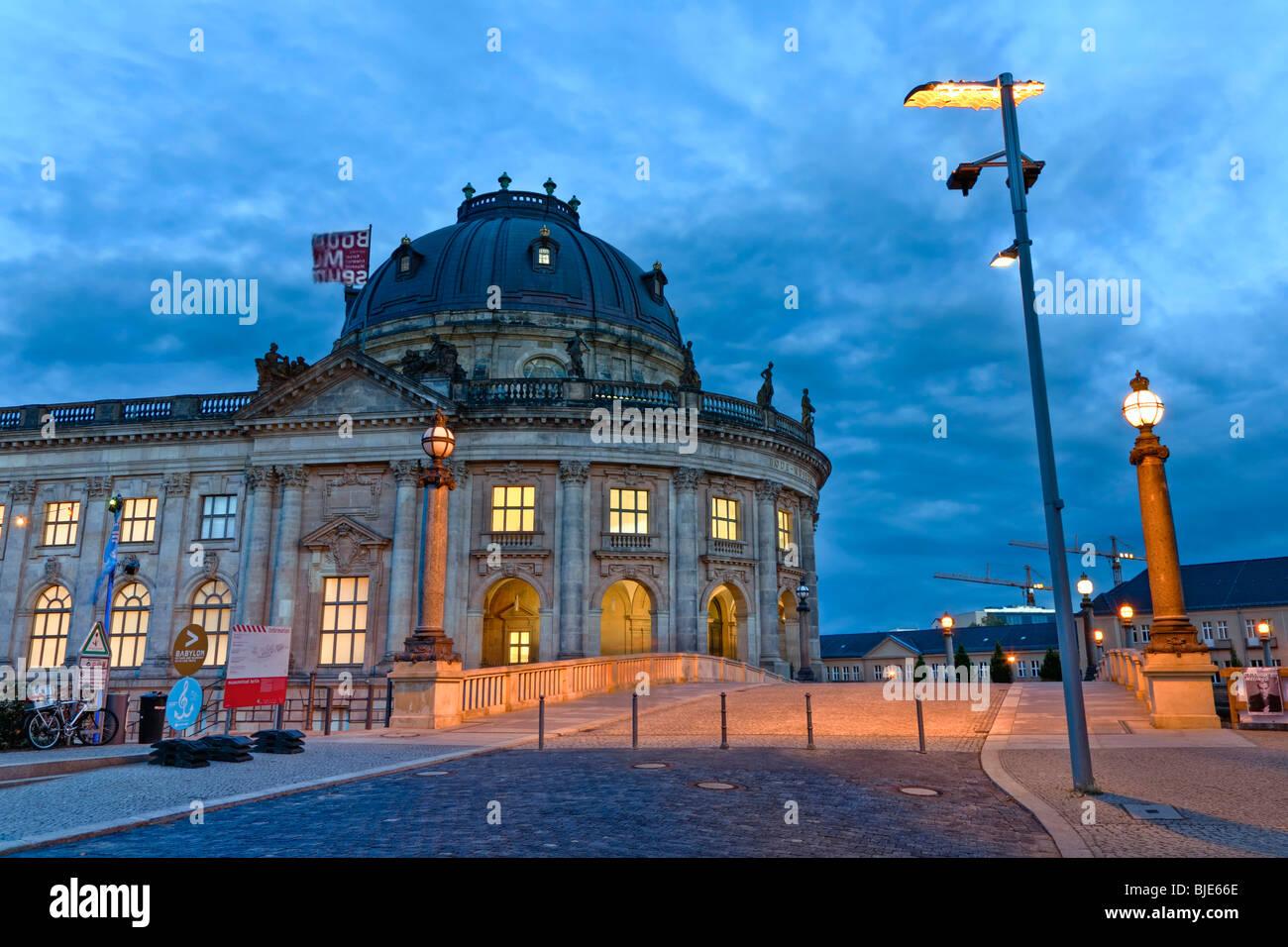 Mood Bilder bode museum on museum island evening mood berlin germany europe