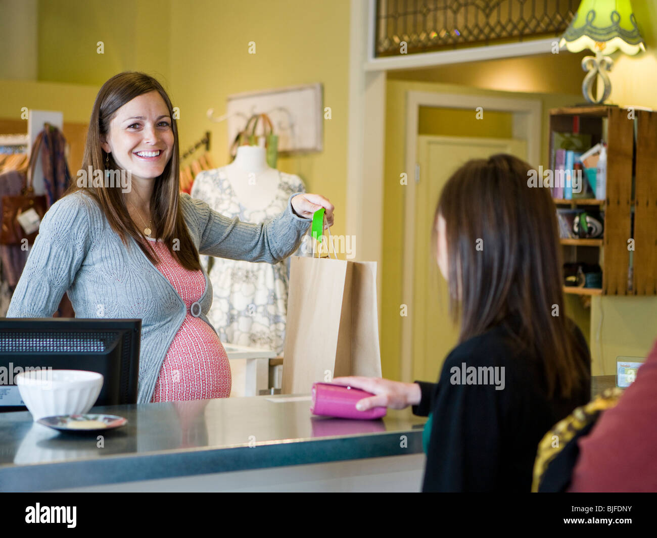 Online clothing stores Maternity clothing stores