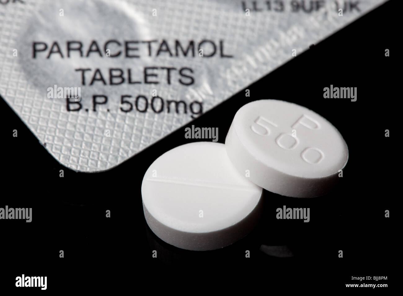 paracetamol-tablets-BJJ8PM.jpg