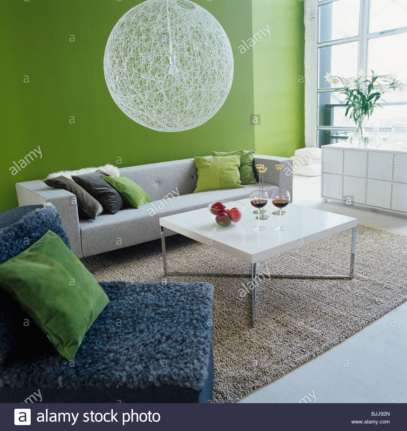 Living Room With Coffee Table, Fruit Bowl U0026 2 Glasses Of Red Wine