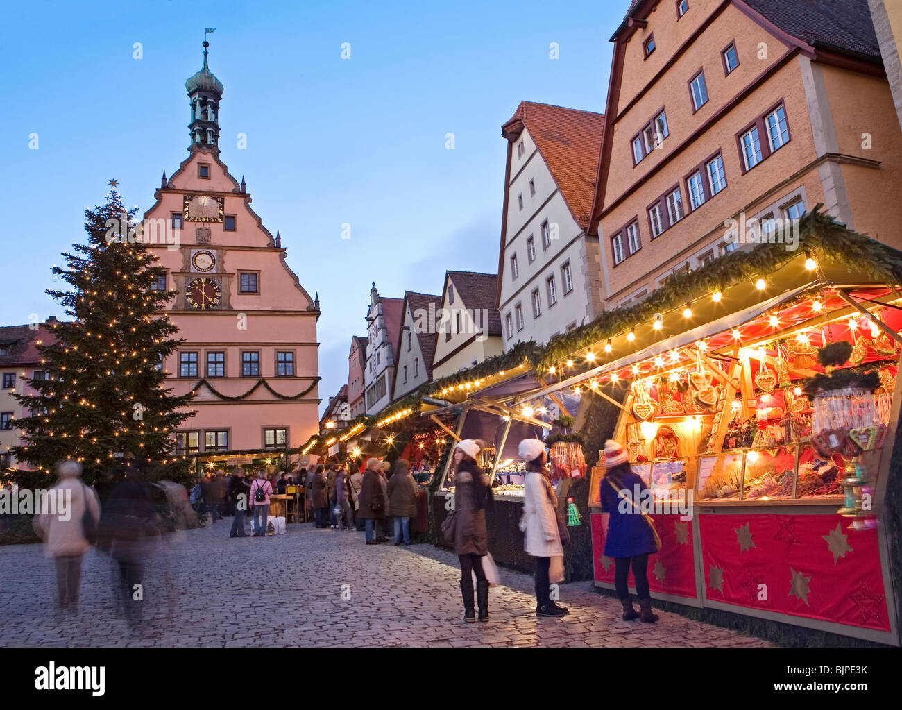 Christmas Market, Rothenburg ob der Tauber, Bavaria, Germany Stock ...