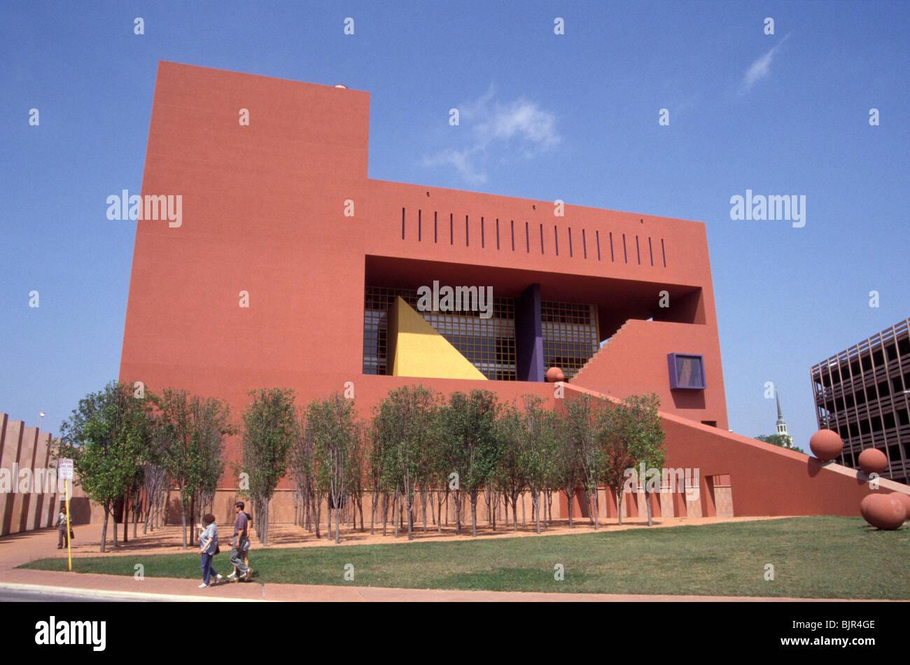 San antonio central library building designed by mexican for En que consiste la arquitectura