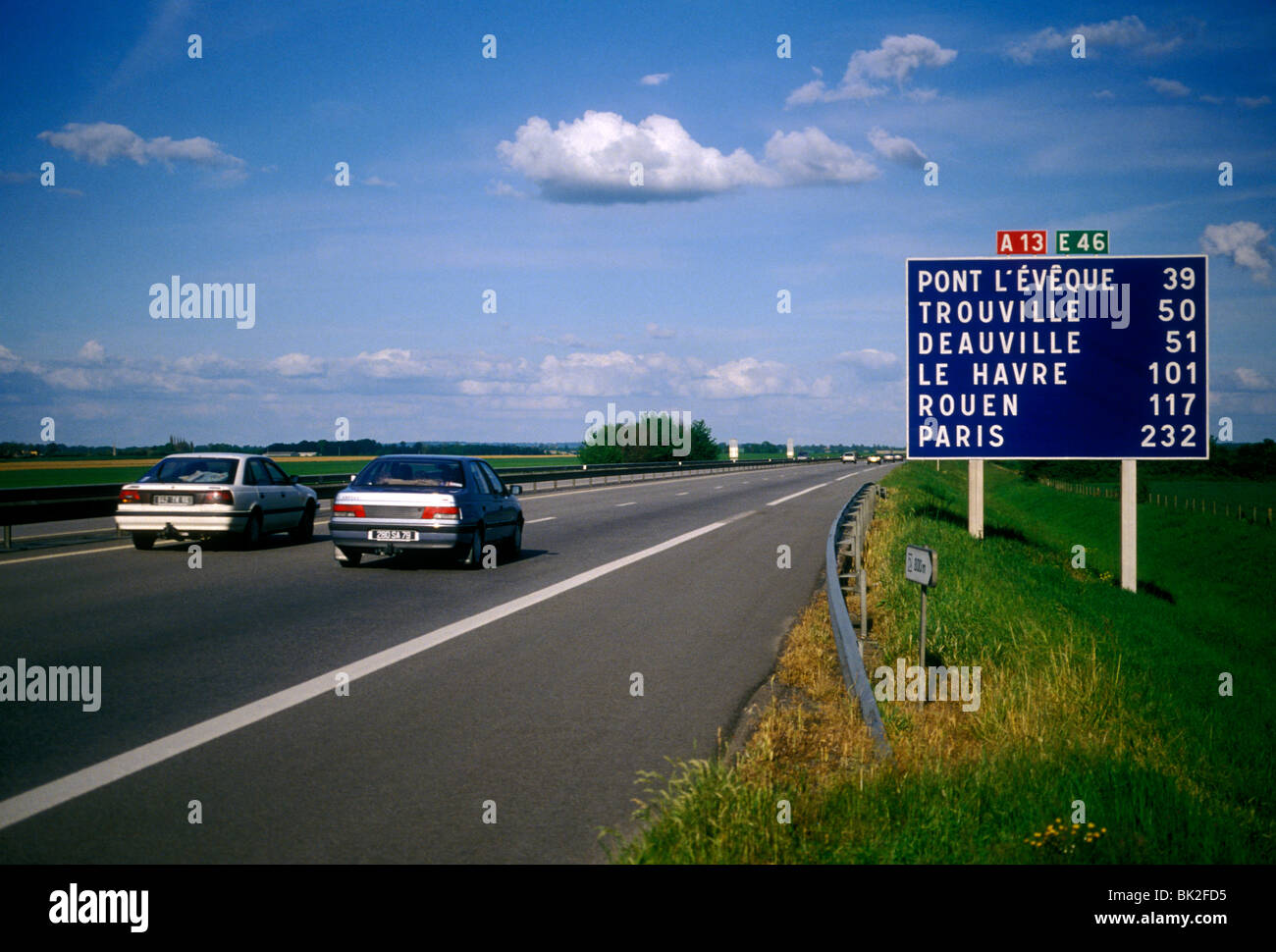 Sign distance in kilometers autoroute a13 near city of - Distance caen rouen ...