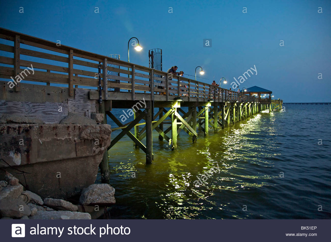 Community fishing pier on north shore of lake for Fishing lake pontchartrain