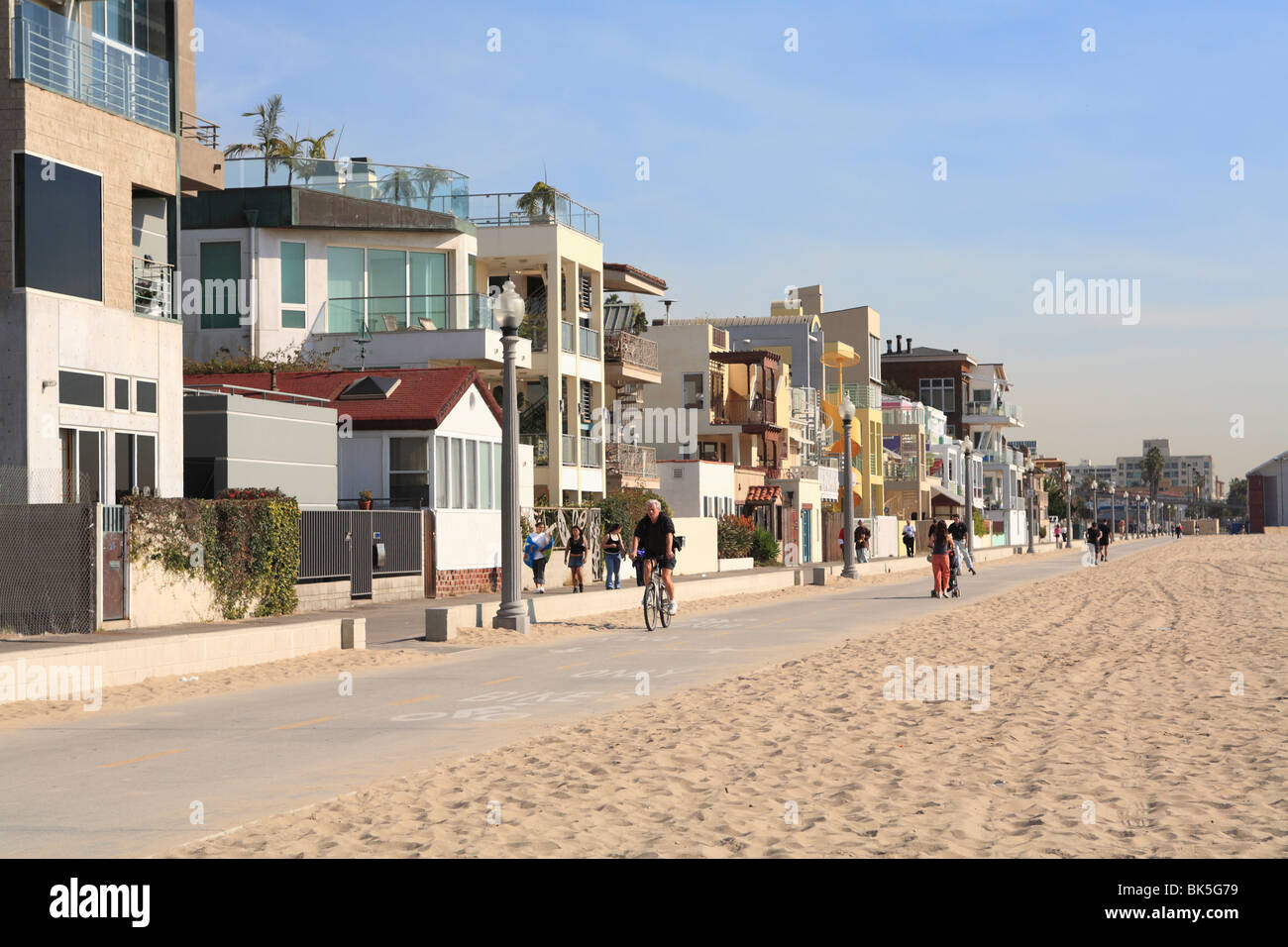 Santa monica beach houses promenade los angeles for California los angeles houses