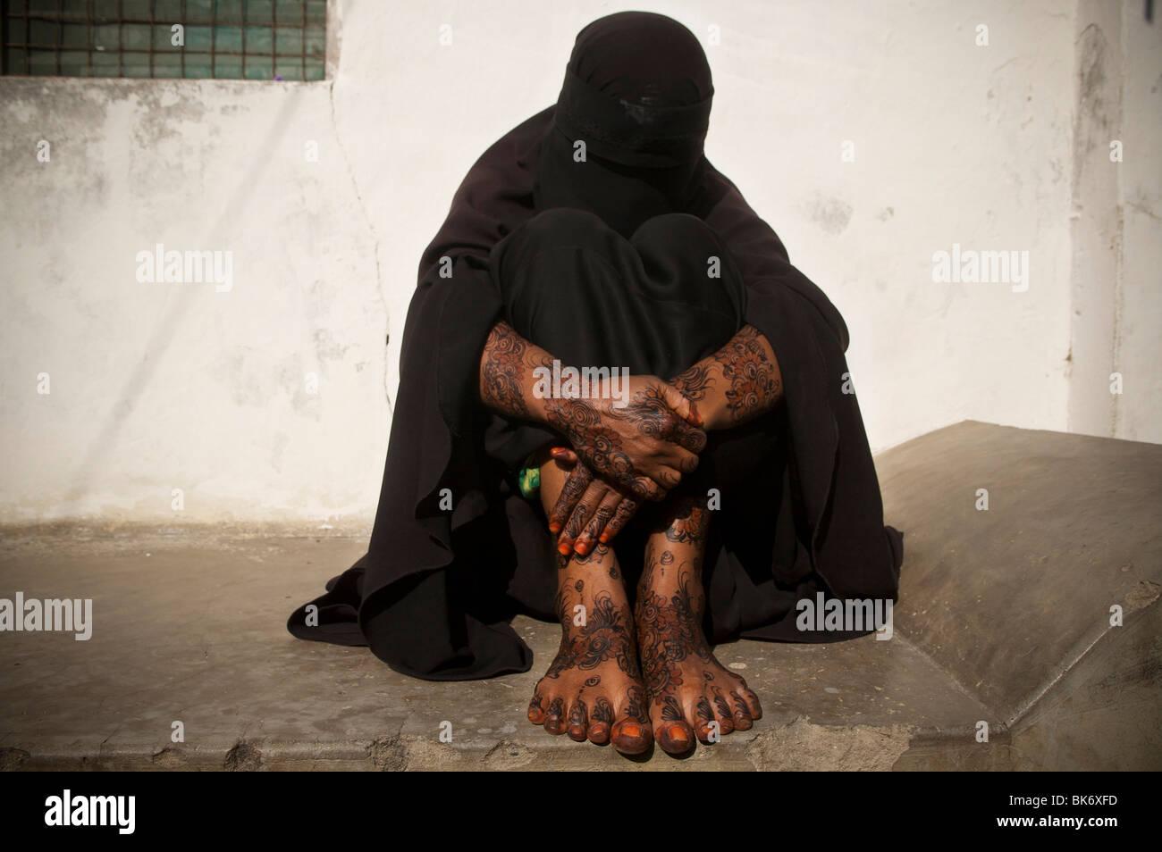 Swahili woman in henna fucked in mombasa - 5 1