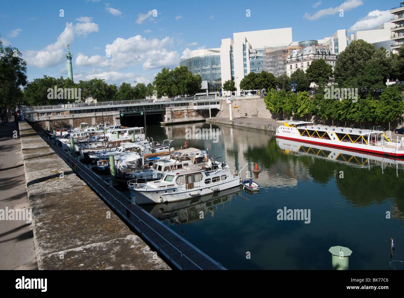 Paris france anchored boats bassin de l 39 arsenal port - Port de l arsenal paris ...
