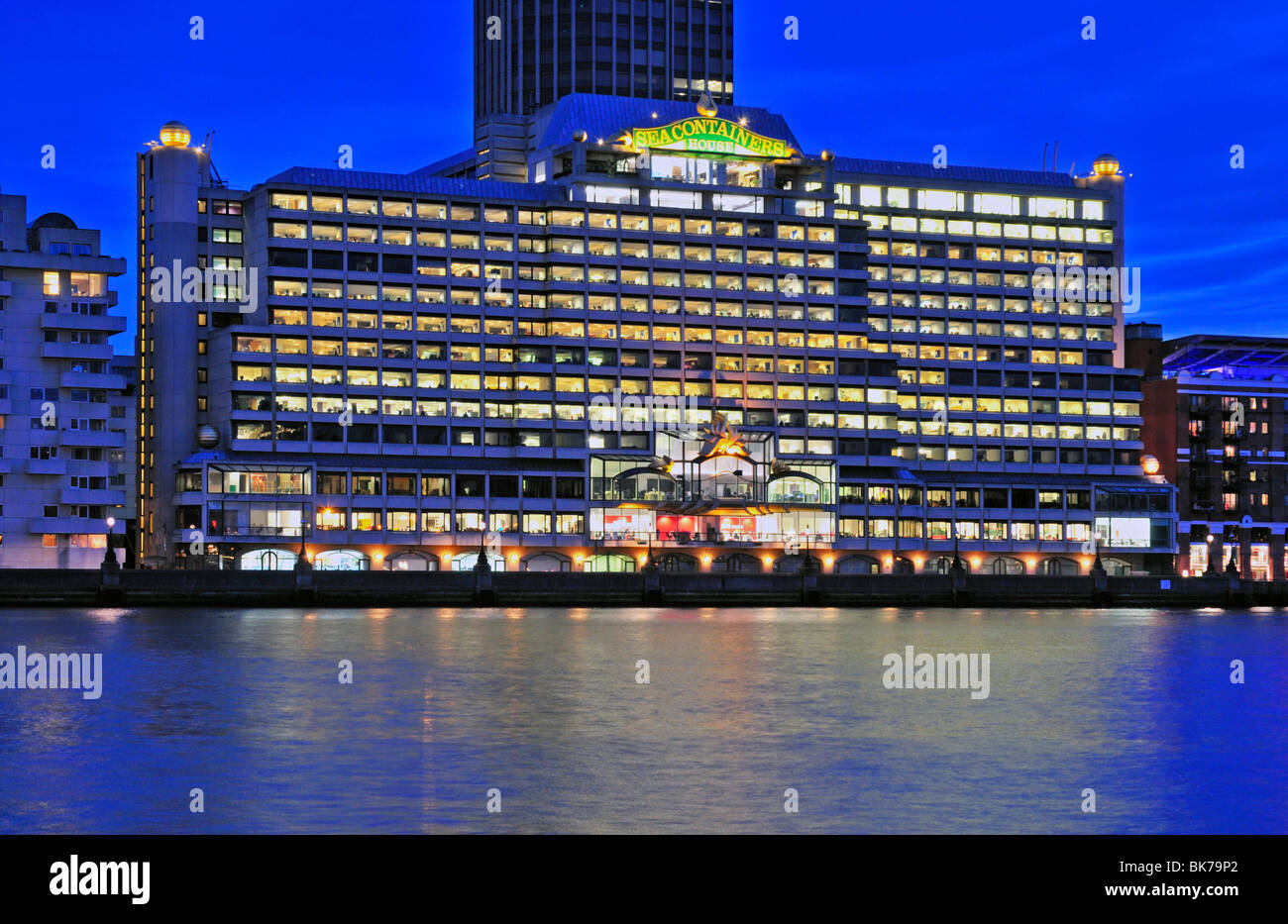 Sea Containers House Stock Photos & Sea Containers House Stock ...