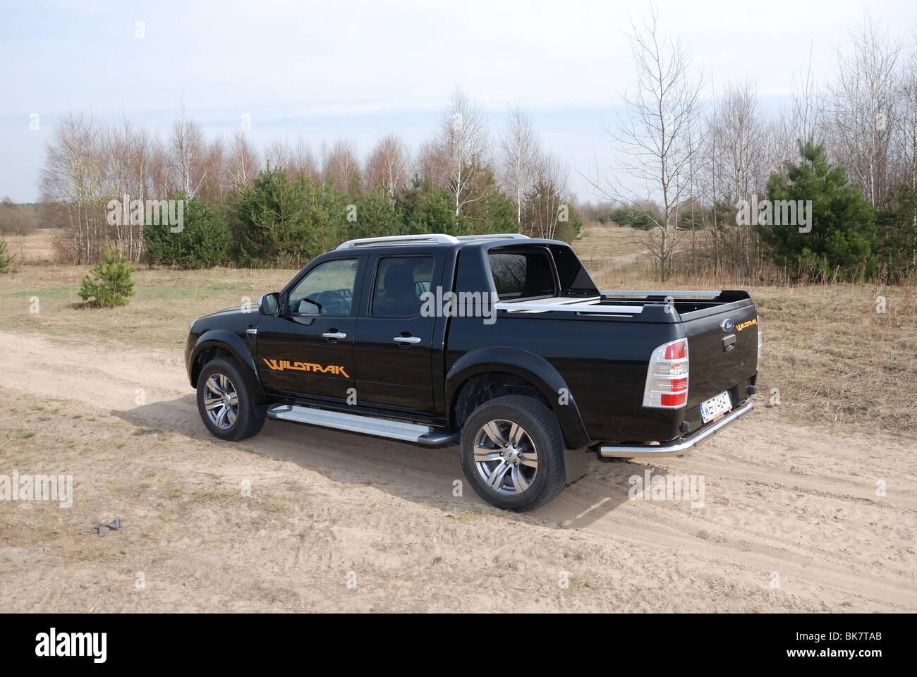 ford ranger 3 0 tdci wildtrak 4x4 my 2010 black metallic double stock photo 29061603 alamy. Black Bedroom Furniture Sets. Home Design Ideas