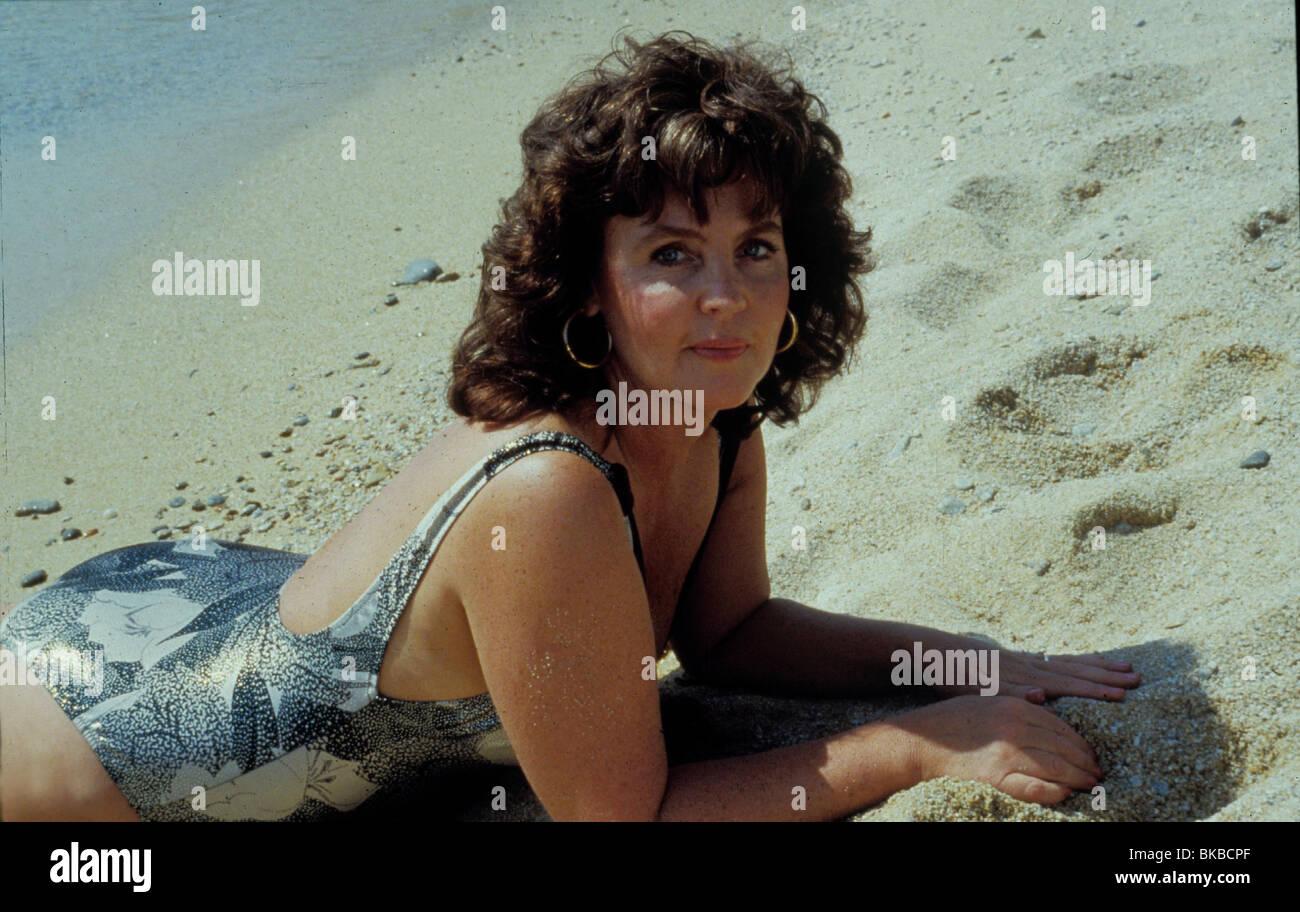SHIRLEY VALENTINE (1989) PAULINE COLLINS SHV 001