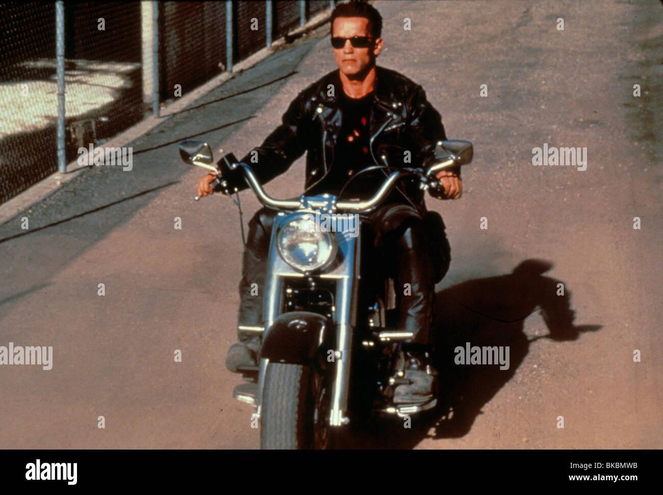 TERMINATOR 2: JUDGEMENT DAY (1991) ARNOLD SCHWARZENEGGER TR2 059 Stock Photo, Royalty Free Image ...