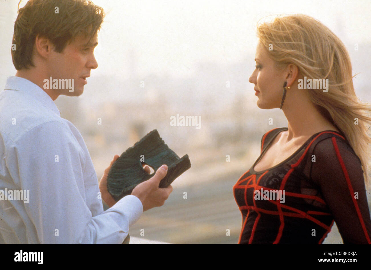 The mask 1994 jim carrey cameron diaz mask 077 d stock for The mask photos gallery