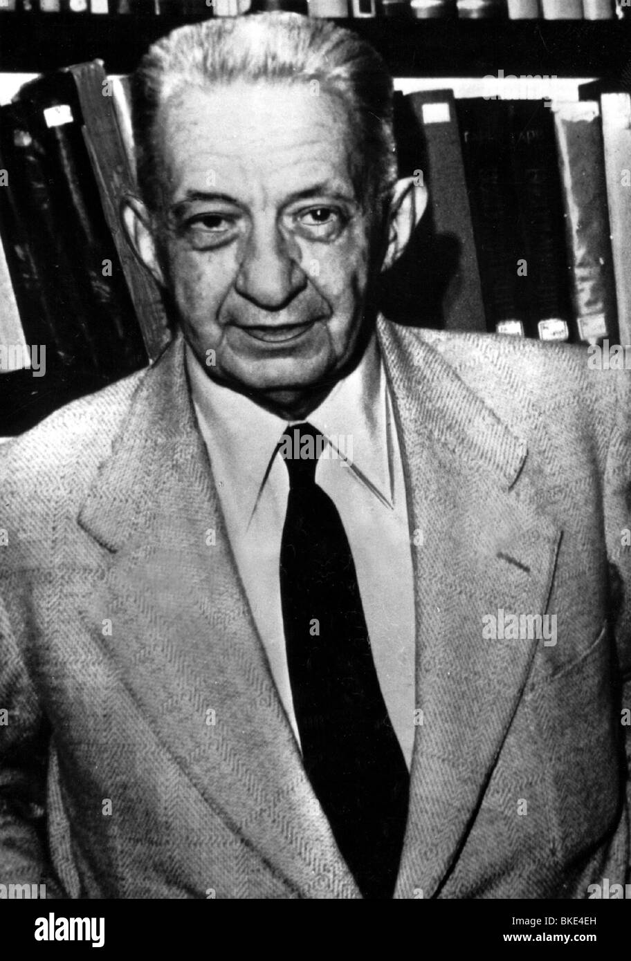 a biography of alexander kerensky a prime minister Alexander kerensky was a russian lawyer and a political figure  emerged as  the perfect candidate to replace georgy lvov as prime minister.