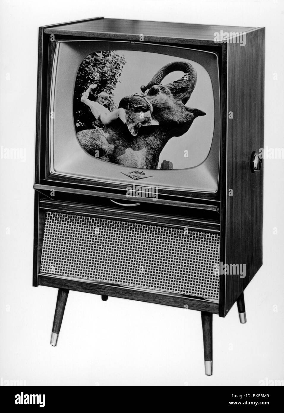 Television Set 1960s Black And White Stock Photos Images Alamy # Pose Television En Bois
