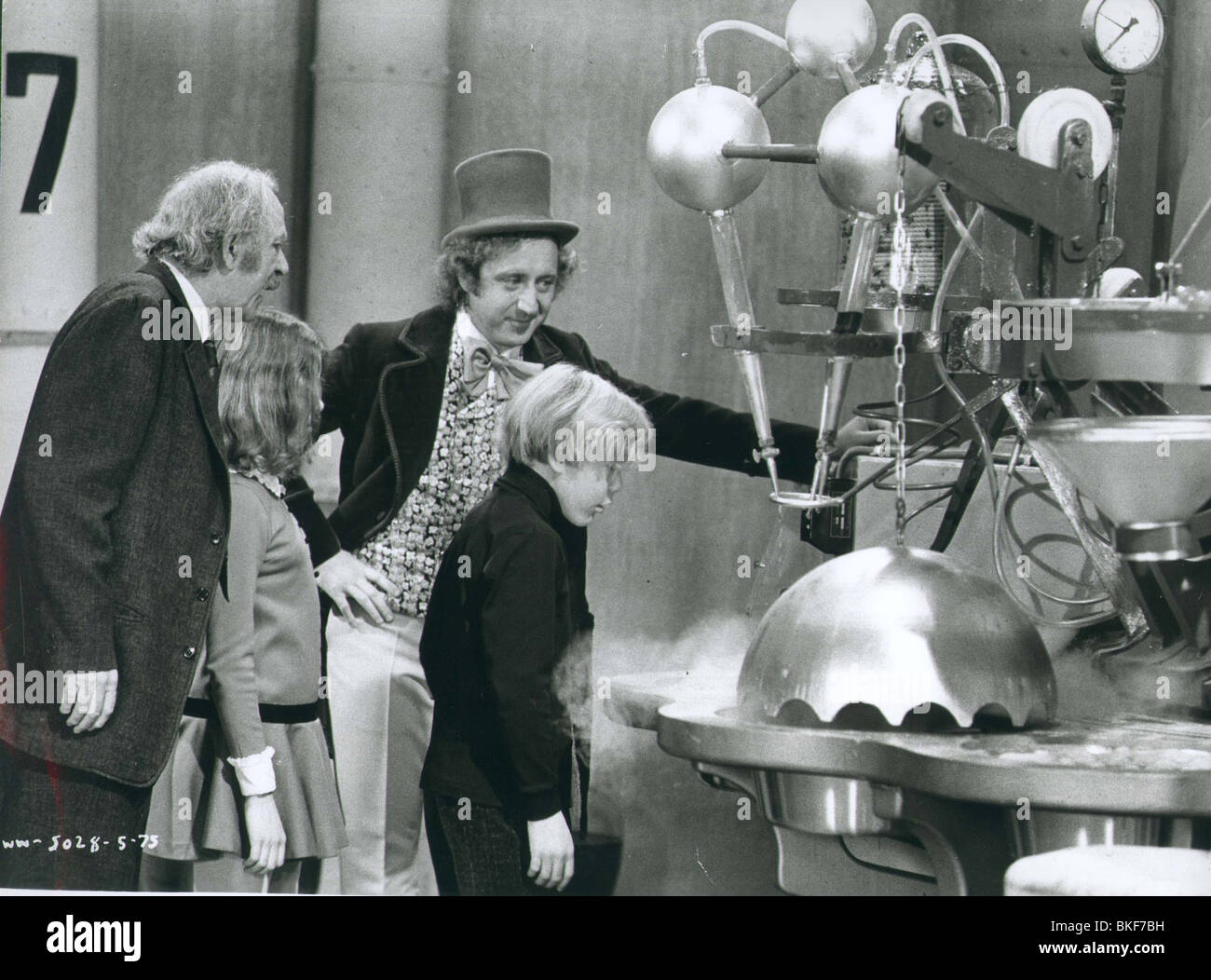 WILLY WONKA AND THE CHOCOLATE FACTORY (1971) JACK ALBERTSON, JULIE ...