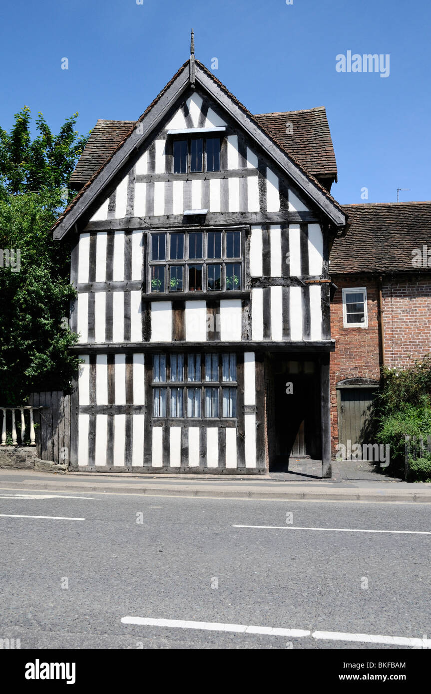 An old oak beamed tudor house in bewdley shropshire uk for Tudor house