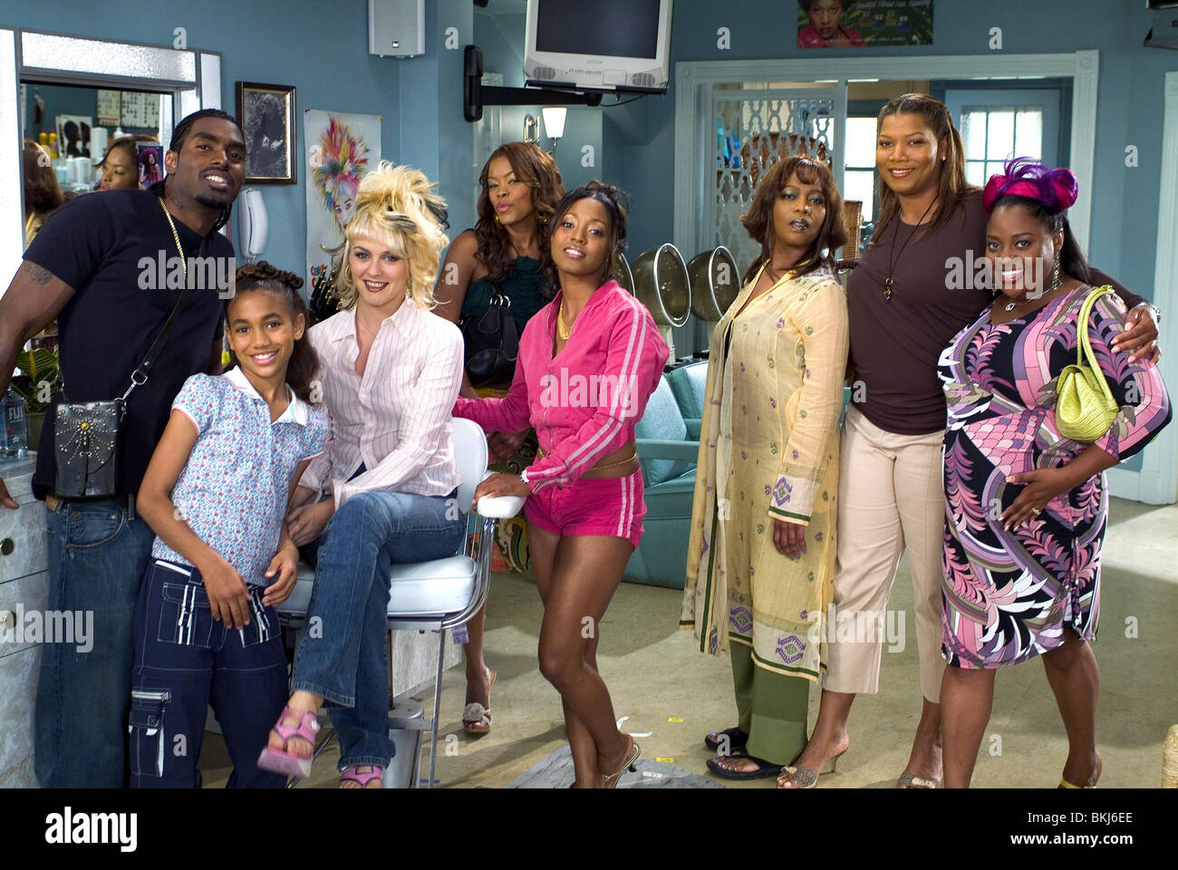 BEAUTY SHOP 2005 BRYCE WILSON PAIGE HURD ALICIA SILVERSTONE GOLDEN BROOKS KESHIA KNIGHT PULLIAM ALFRE WOODARD QUEEN