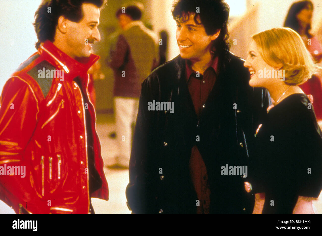 THE WEDDING SINGER (1998) ALLEN COVERT, ADAM SANDLER, DREW ...