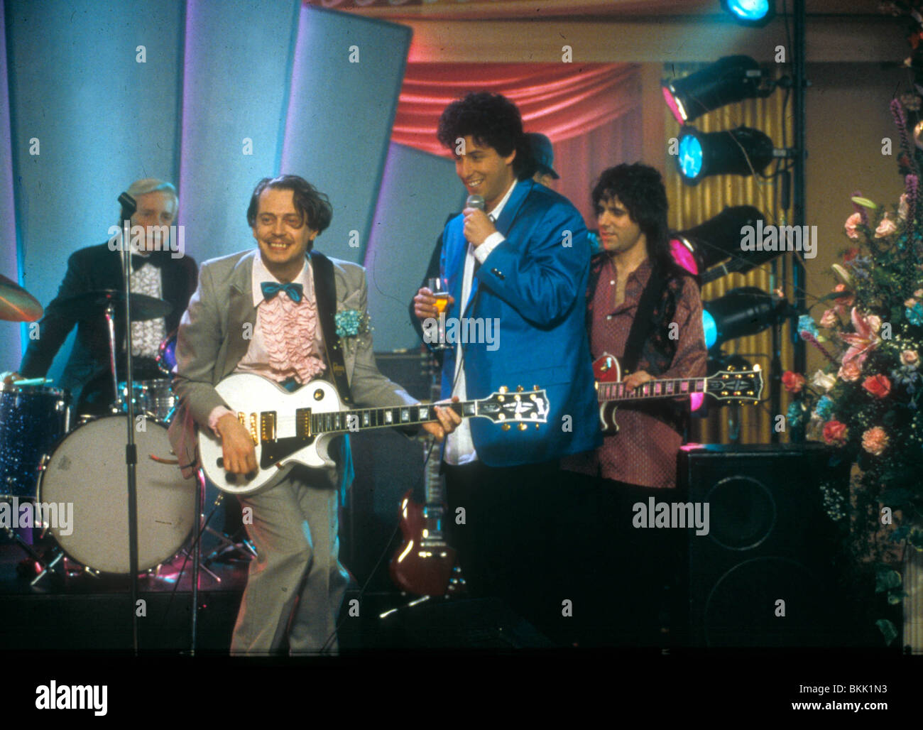 THE WEDDING SINGER 1998 STEVE BUSCEMI ADAM SANDLER WDDS 016
