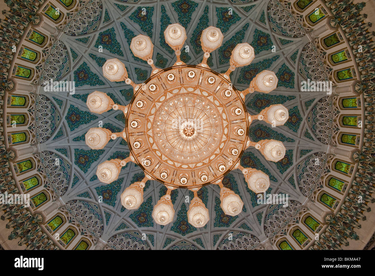The worlds largest chandelier in sultan qaboos grand mosque muscat the worlds largest chandelier in sultan qaboos grand mosque muscat oman arubaitofo Image collections