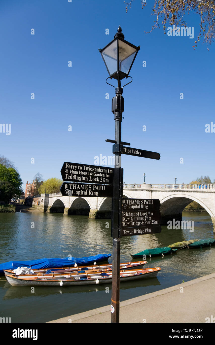 Lamp post with direction sign signs for thames path capital lamp post with direction sign signs for thames path capital ring twickenham nr richmond bridge richmond upon thames uk nvjuhfo Choice Image