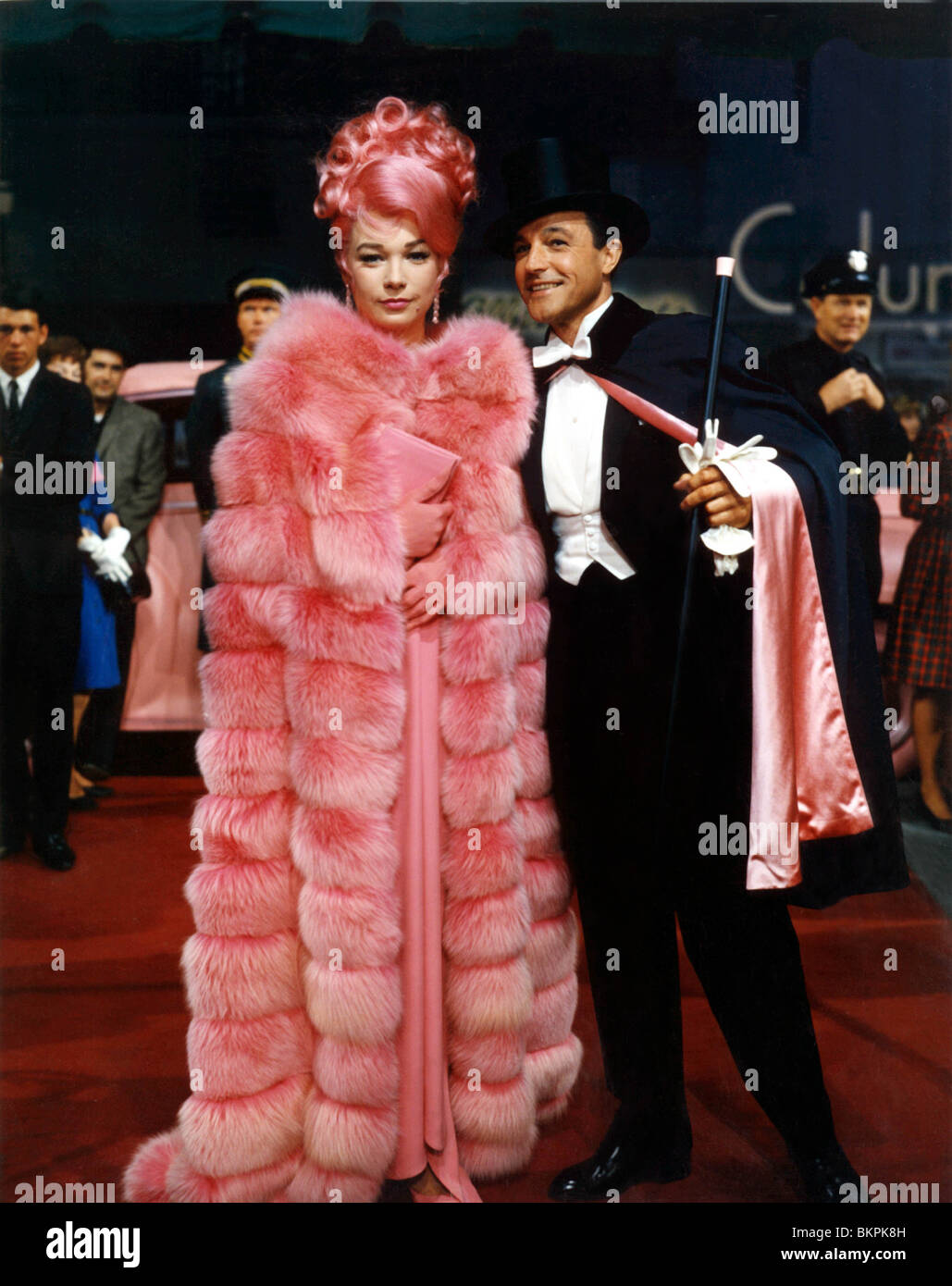 WHAT A WAY TO GO (1964) SHIRLEY MACLAINE, GENE KELLY WAWT ... Shirley Maclaine In What A Way To Go