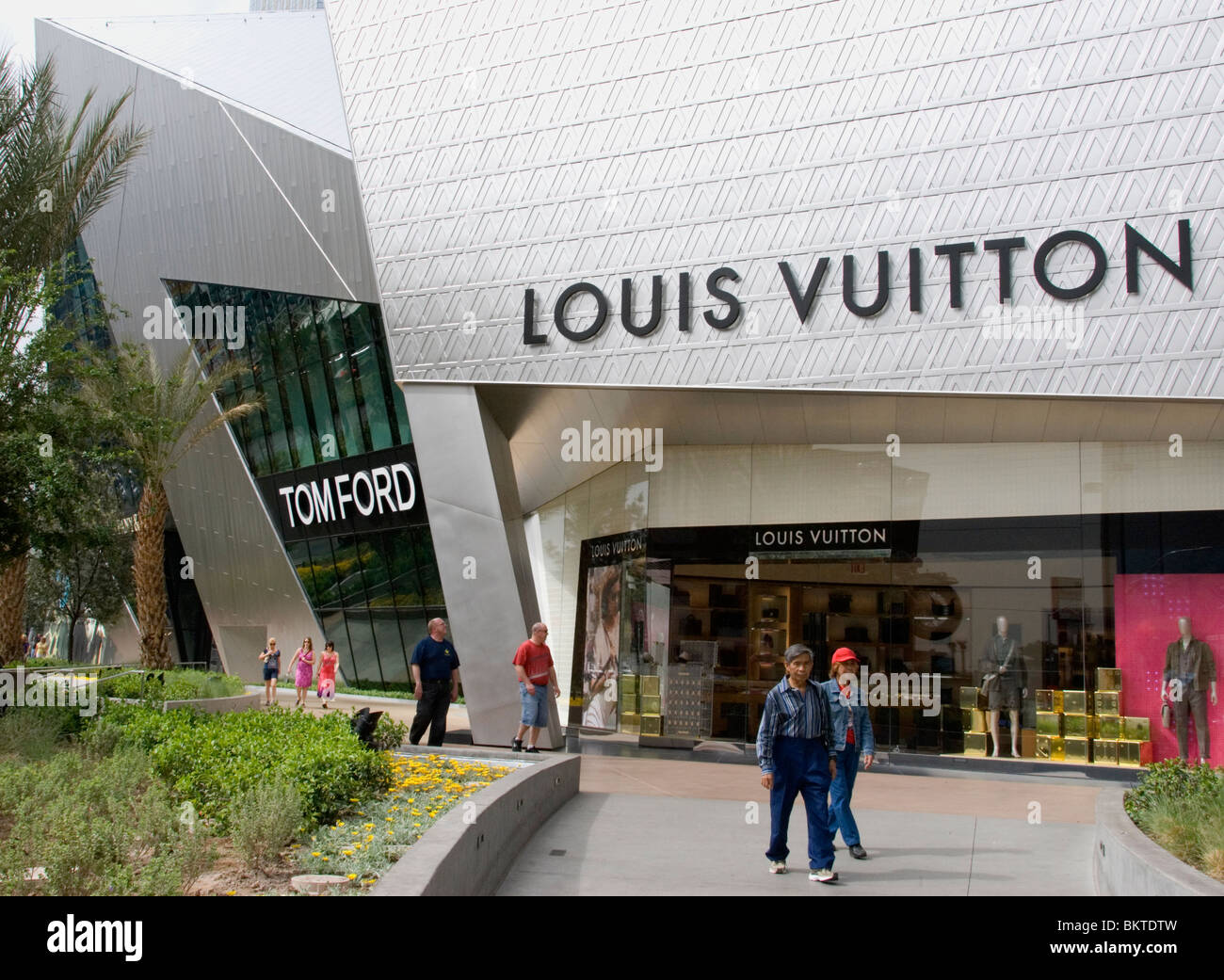 is there a louis vuitton outlet in las vegas