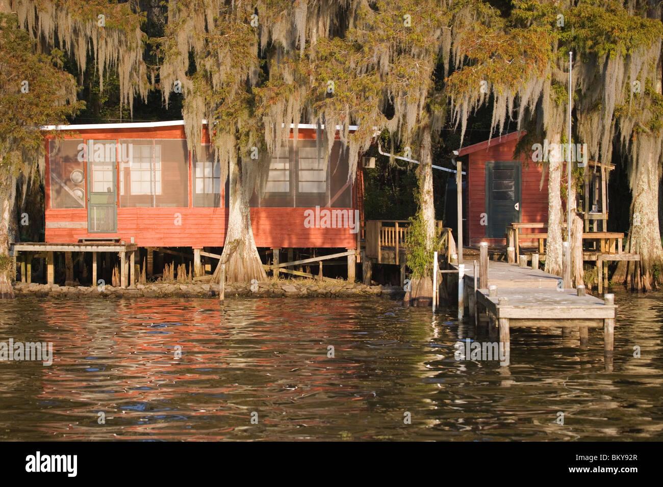 Cabins near attakapas landing on lake verret near pierre for Fishing cabins in louisiana