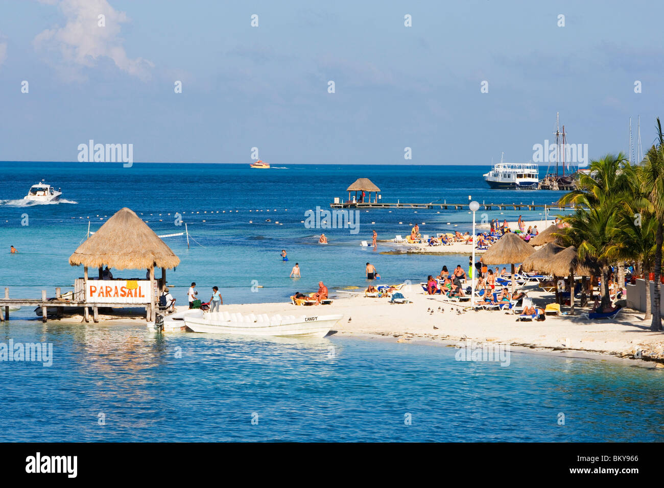 Cancun Beach Mexico Women Stock Photos Cancun Beach Mexico Women  # Muebles Dipay Cancun