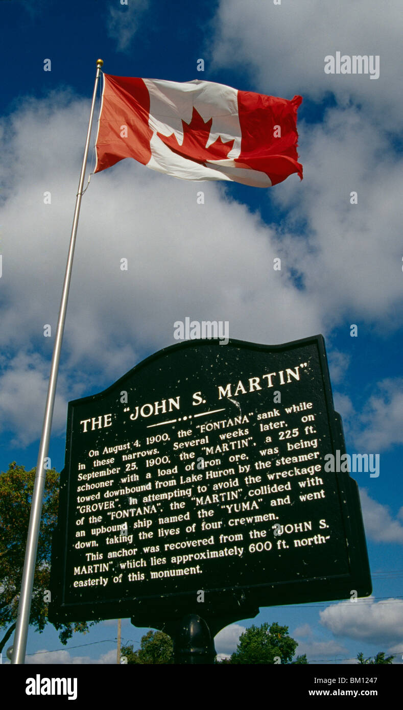 canadian flag information The canadian flag is flown at half-mast in canada to indicate a period of mourning when the canadian flag flies along with the flags of the 10 provinces and 3 territories, the flags of the provinces and territories follow in the order that they entered confederation for those years when multiple provinces entered confederation, their flags.