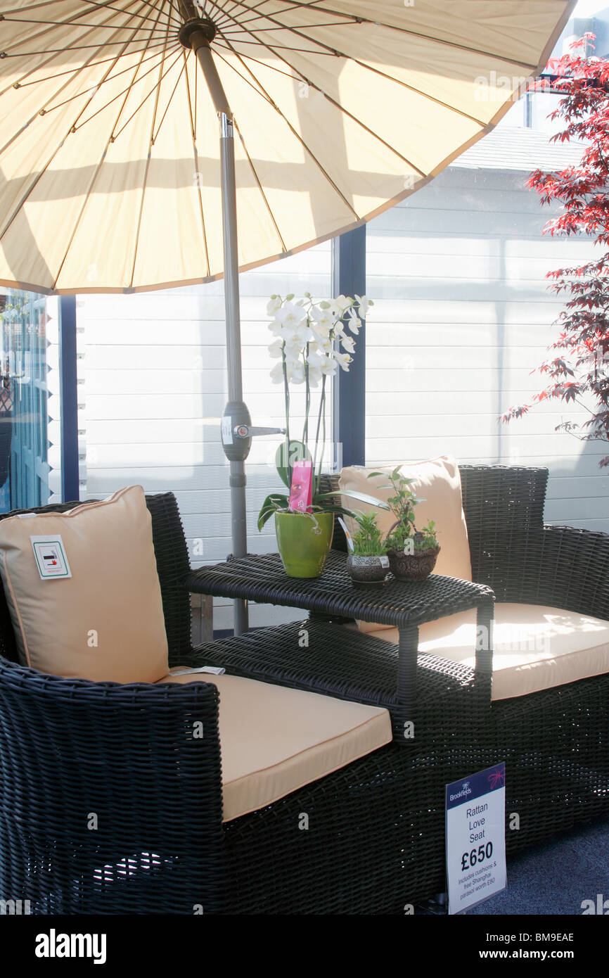 garden and patio furniture rattan love seat with japanese style parasol brookfields garden centre nottingham - Garden Furniture Nottingham