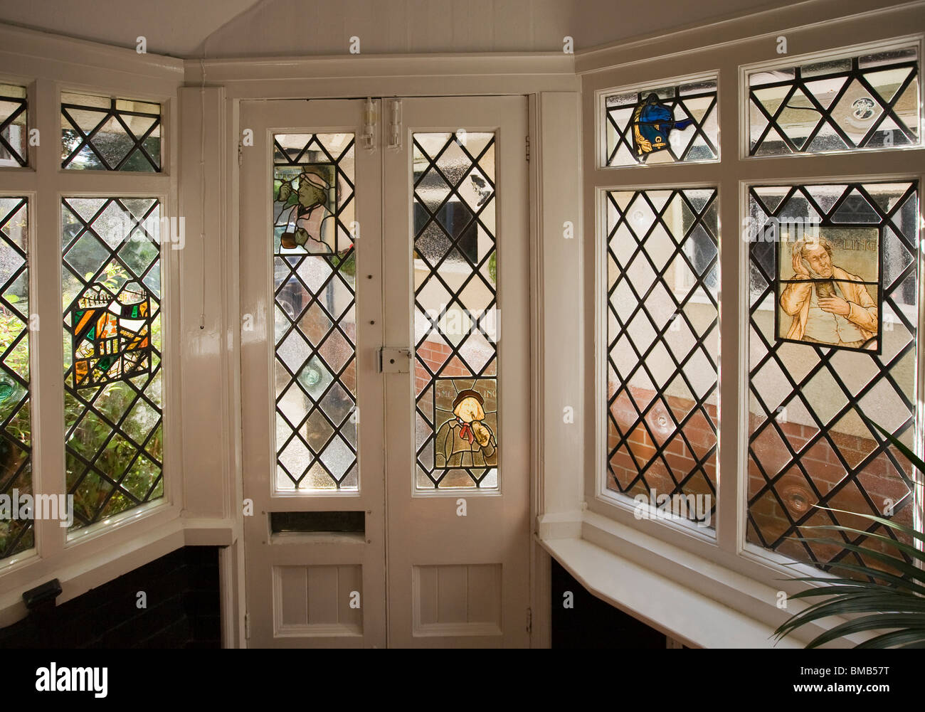 Houses Edwardian Arts And Crafts House Decorative Stained Glass - Edwardian house interiors