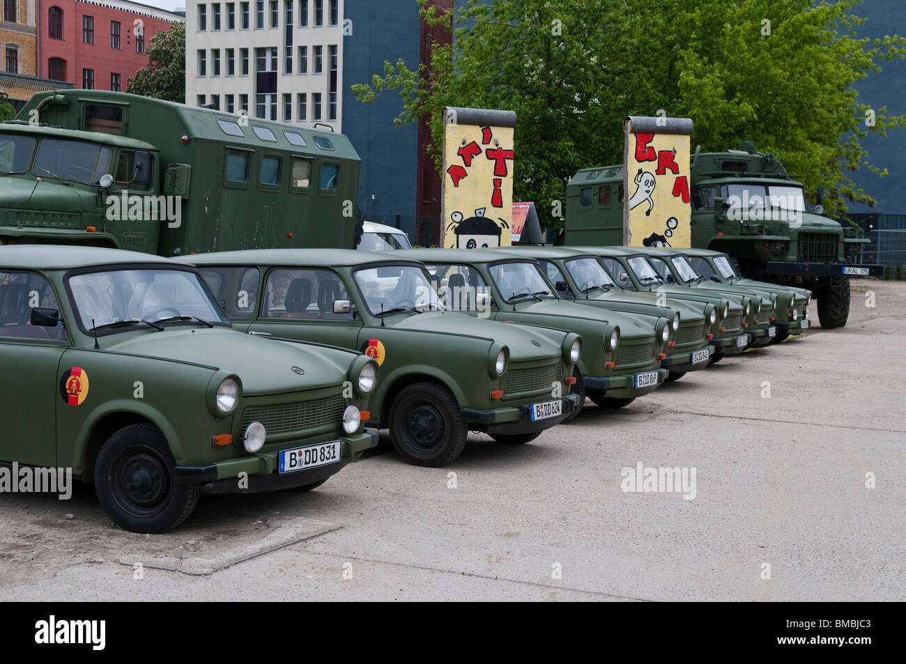 old-gdr-army-vehicles-of-the-brand-traba