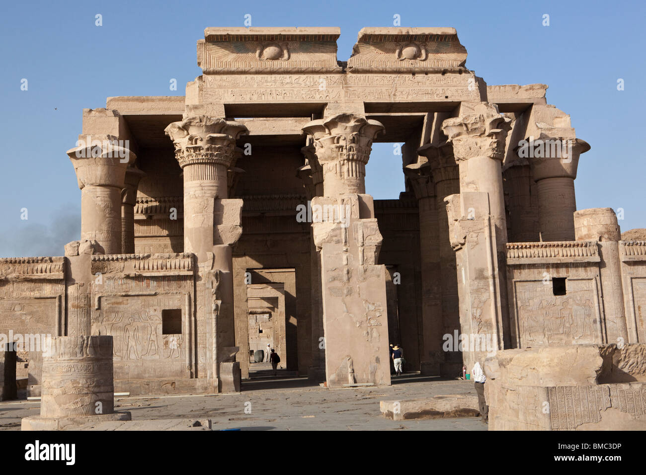 a review of the major architectural structures of ancient egypt Architecture of ancient civilizations submitted by leslie burnham o choose an ancient civilization architectural style to draw a two point egypt , greece.
