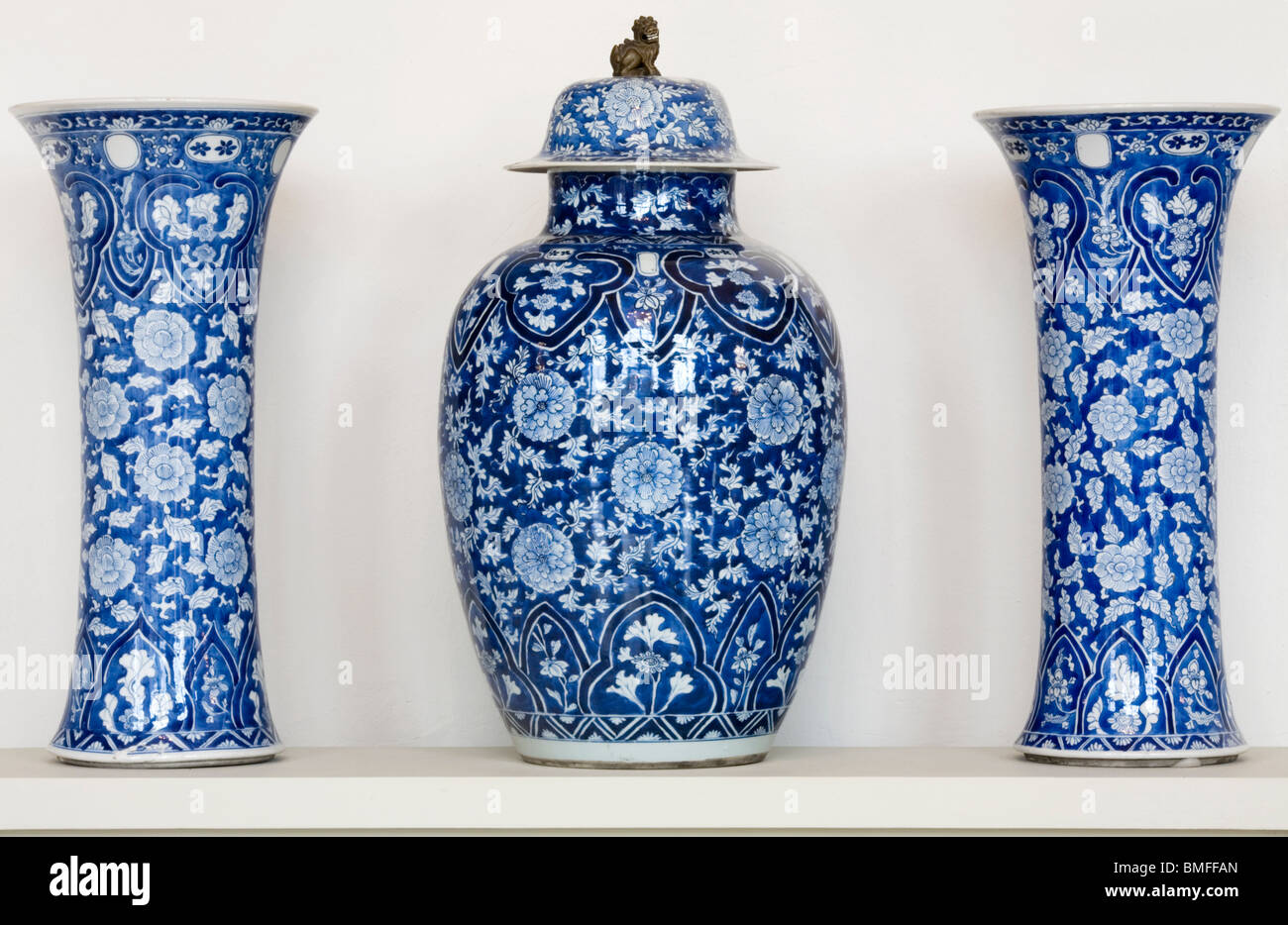 Chinese porcelain with blue and white glaze of kangxi period stock chinese porcelain with blue and white glaze of kangxi period 1662 1722 porcelain museum art collection dresden germany floridaeventfo Images