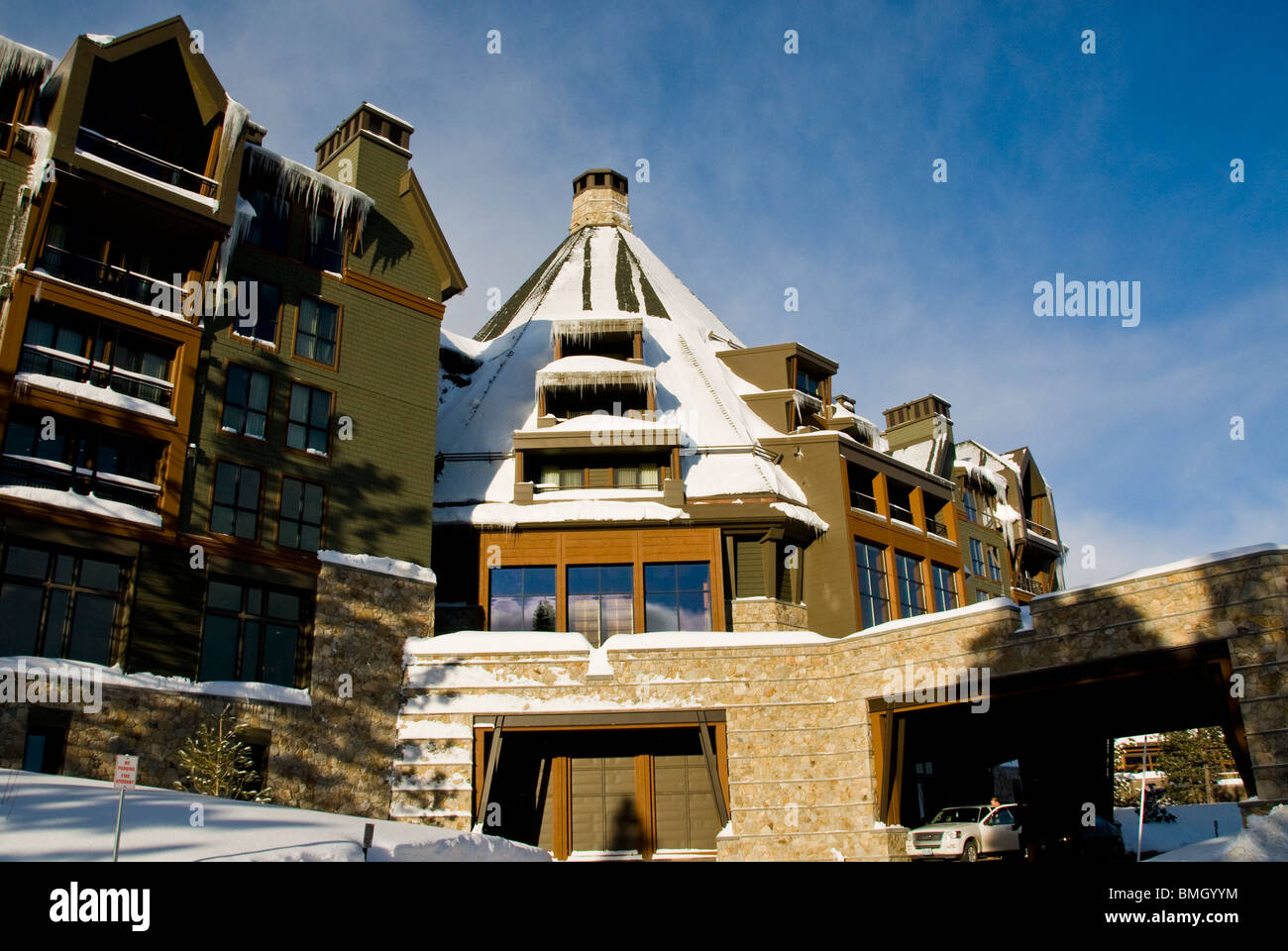 Winter scene ritz carlton hotel and resort north lake for Tahoe architects