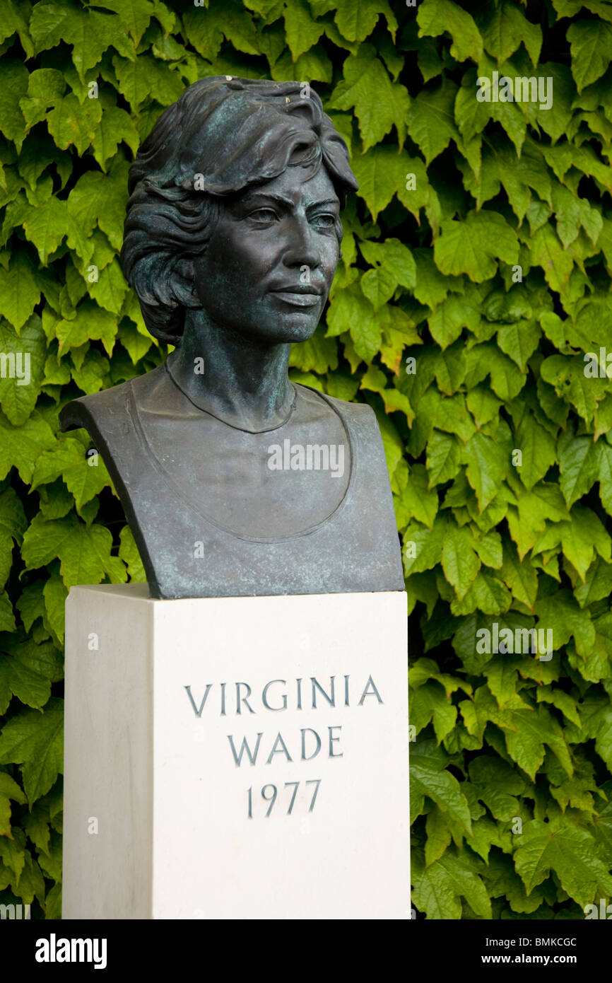 Statue of former British womens la s champion Virginia Wade
