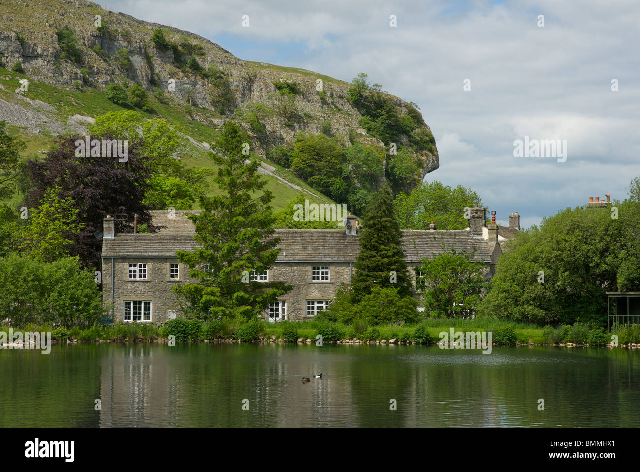Kilnsey crag and kilnsey park fish farm wharfedale for Pond stocking fish for sale