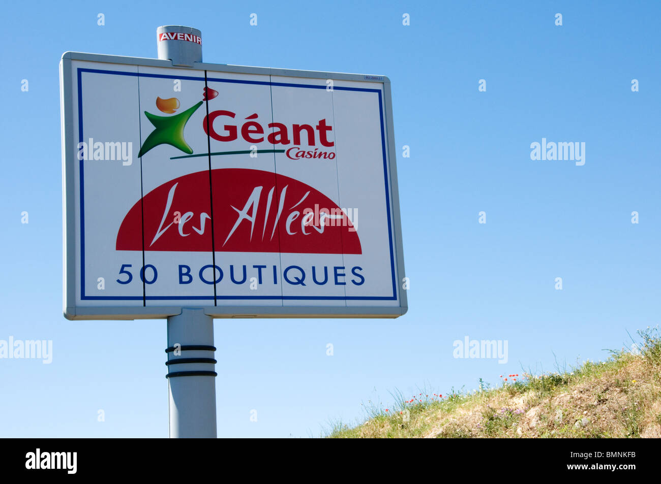 sign for geant casino hypermarket ouside beziers france stock photo royalty free image. Black Bedroom Furniture Sets. Home Design Ideas